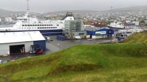 Höfnin í Þórshöfn. Smyrill við festar.
